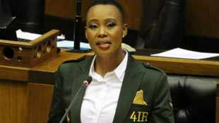Fire Ndabeni-Abrahams, say opposition parties