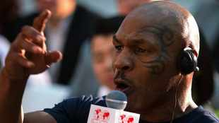 Mike Tyson to face Roy Jones Jr. in comeback fight