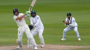 Woakes and Buttler propel England to unlikely win over Pakistan