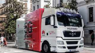 "(180424) -- MADRID, April 24, 2018 (Xinhua) -- Photo taken on April 23, 2018 shows the Huawei 5G Truck at its roadshow in Madrid, Spain. ""Spain is our top 5G priority market,"" said Huawei Spain CEO Tony Jin Yong at the presentation of the telecommunications giant's 5G truck roadshow here on Monday. (Xinhua) (zxj)"