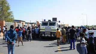 As in many parts of South Africa, Western Cape residents have taken to the streets in protest over lack of services South Africa in the run-up to the general elections on May 8.  PHOTO: Henk Kruger / African News Agency (ANA)