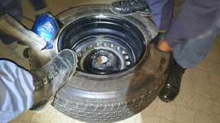 A 56-year-old Johannesburg man was arrested during a roadblock at Calvinia in the Northern Cape this week for storing drugs in his spare tyre. Photo: SAPS