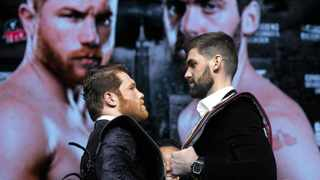 Canelo Alvarez, left, and Rocky Fielding will square off at Madison Square Garden in New York in a super middleweight bout early on Sunday morning SA time. Photo: Richard Drew/AP