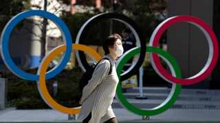 """Holding the delayed Olympic Games and Paralympics in Tokyo next year is """"very unrealistic"""" unless a vaccine against the coronavirus has been found by then, a leading global health scientist has warned, according to a BBC report Friday. Photo: Reuters/Athit Perawongmetha"""