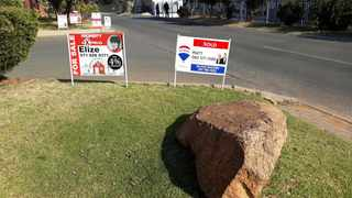 Multiple 'For Sale' signs near the entrance to a complex on the Westrand. The RE/MAX National Housing Report showed that the national lockdown brought the housing market to a standstill during the second quarter of 2020, but there were signs of hope for the third quarter, estate agent companies said on Friday. Photo: Karen Sandison/African News Agency(ANA)