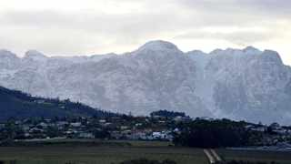 The Hottentots Holland Mountains. Photo: Cindy Waxa