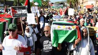 Crowds of Capetonians marched to Parliament in support of the people of Palestine. Picture: :Phando Jikelo/African News Agency/ANA