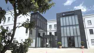 Just because the vast majority holds a specific view it does not mean they are right. The writer says many shareholders in Steinhoff and a host of other companies over many years have collectively been very wrong. File Photo: IOL