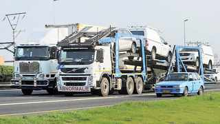 Traffic authorities are concerned about the number of overloaded heavy-duty trucks. Picture: David Ritchie African News Agency (ANA)