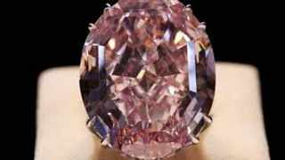 A pink diamond weighing in at almost 19 carats is set to go on tour before being auctioned in Geneva and could fetch R431 million. File image IOL