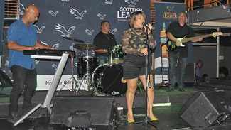 PICS: Patrons jol uit at Battle of the Bands