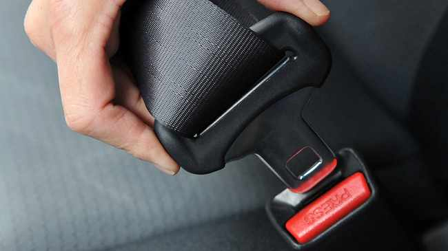 Study shows only 25.2 percent of Capetonians habitually wear seat belts.
