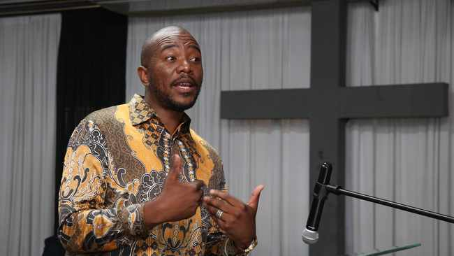 In a series of tweets, former DA leader Mmusi Maimane gave a little more information on his One South Africa movement, but assured citizens that it won't be another party.