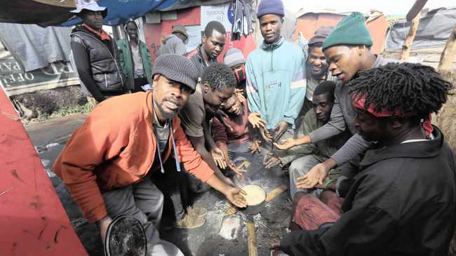 Residents of a Booysens informal settlement who survive on scavenging and recycling were up in arms complaining that they had not received any food parcels since the lockdown.  Picture:  Simphiwe Mbokazi/ African News Agency (ANA)