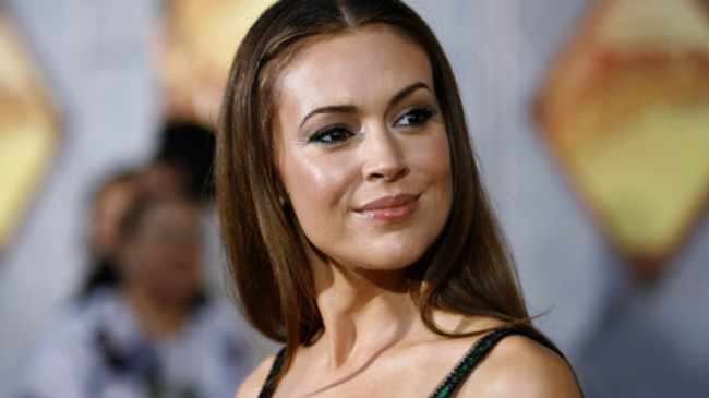 WATCH: Alyssa Milano says she's losing her hair in coronavirus battle