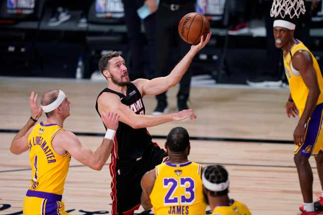 0ee7c8aa f9c5 5440 9018 715f26ba81b0 - Lakers dominate injury-ravaged Heat for lopsided win in Game 1