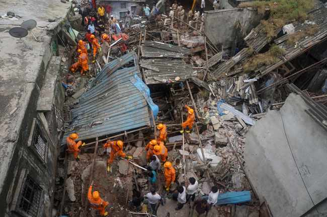 WATCH: 10 dead, dozens feared trapped after building collapses in India, Newsline