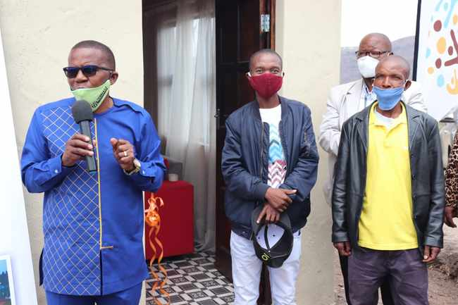 4f10b156 0d02 58b0 bc9f 4016cd62c631 - Businessman restores Tafelkop man's dignity by building him a house