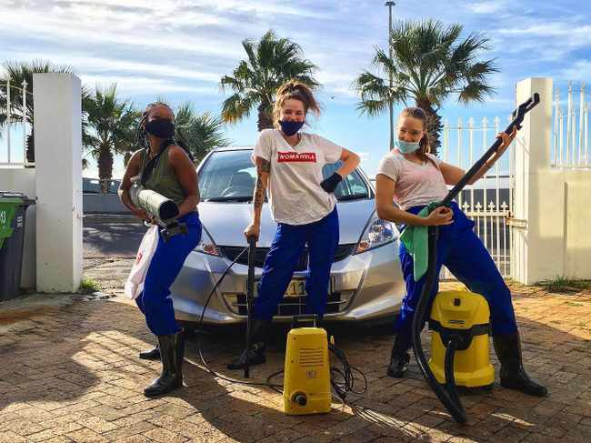 82eb14a8 8959 51a5 9949 c2475ffdf4d9 - Cape Town bartenders team up to open carwash service, The Cartenders