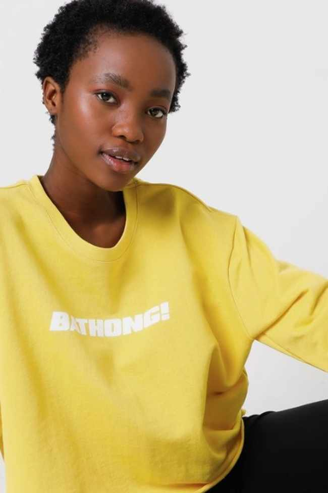 8555f7bf cdbd 5793 a814 02bb65cfba2c - Bathong! Mr Price comes through with statement sweatshirt but tweeps are confused by the colour