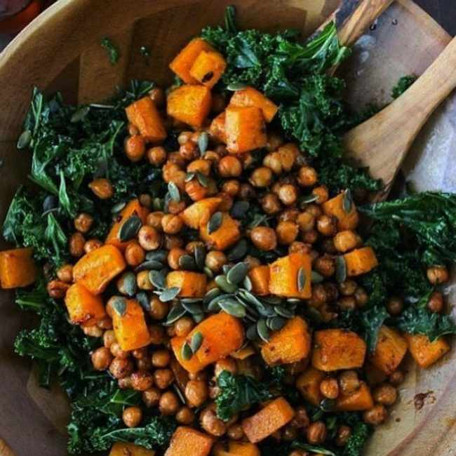 eb847fc7 257a 5842 bab4 6f99c53556e7 - 3 warm winter salads that are comforting and delicious