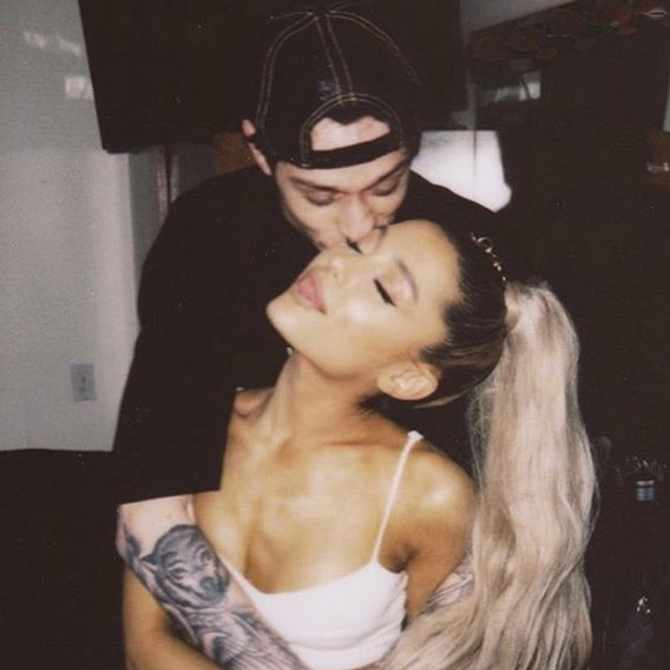 Ariana Grande's first performance of 'Thank U, Next' is clearly a nod to Pete Davidson