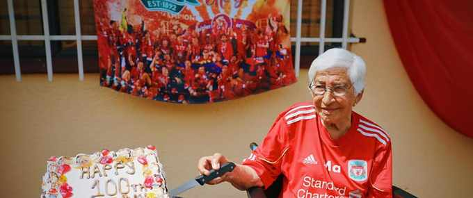 [WATCH] Goalden oldie: Ouma, 100, could be oldest Liverpool fan in SA
