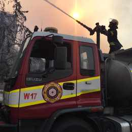 Raging fire spreads to Vredehoek