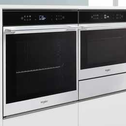 Whirlpool W Collection Oven: Stylish, intuitive and easy to use