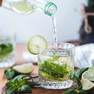5 Cocktail garnishes you can grow at home
