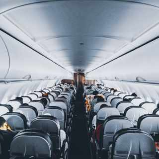 5 things you should not do when flying abroad