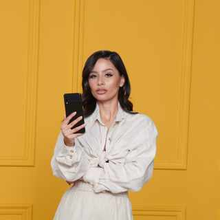 Kendall Aberdeen shoots from a new perspective with the compact Galaxy Z Flip3 5G and its bigger screen