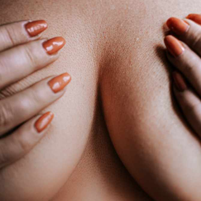 14 Causes of Itchy Breasts Everyone Should Know