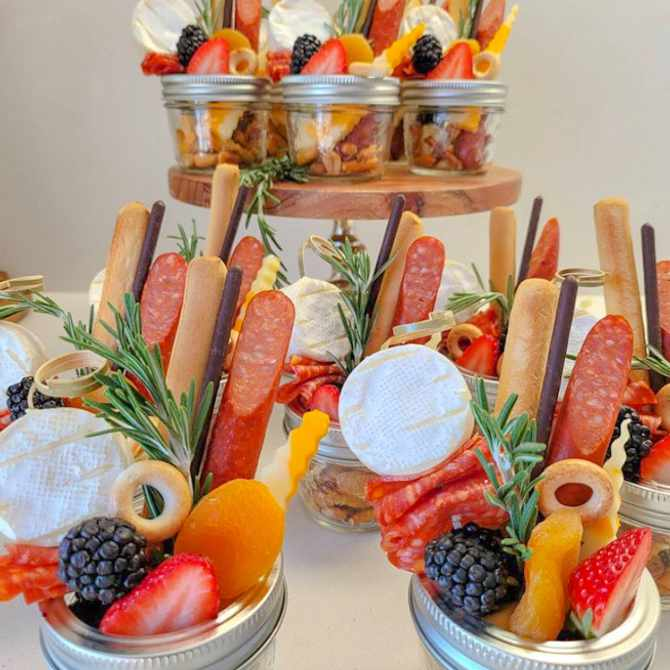Social distancing friendly catering ideas for your wedding