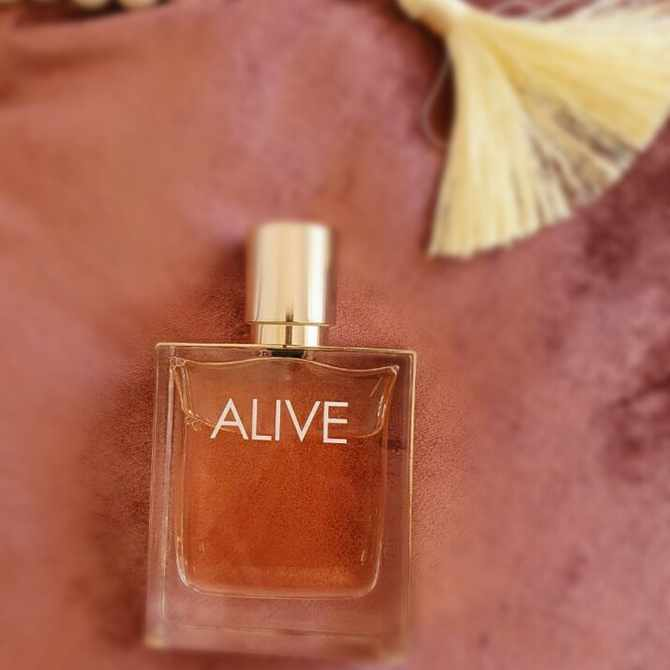 Win with Glamour x Hugo Boss Alive