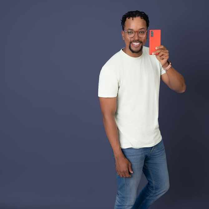 Tech Support: Maps Maponyane rates the Galaxy S20 FE (Fan Edition) Single Take