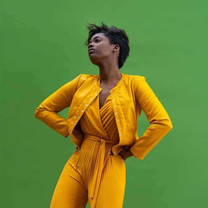 3 simple ways you can pull off buttery yellow this summer