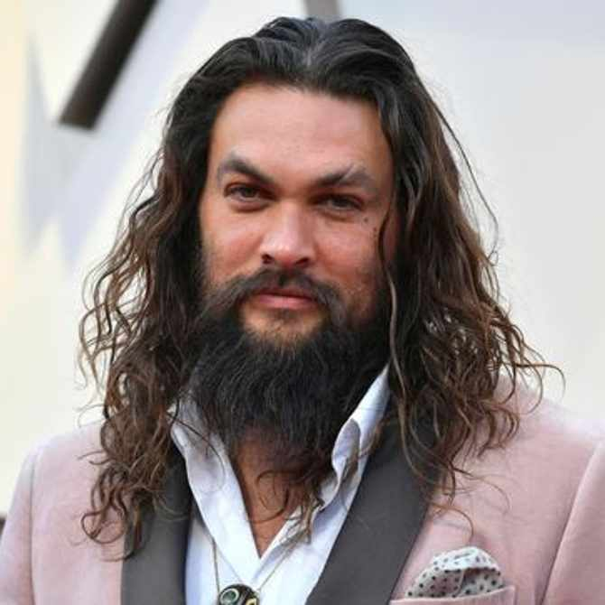Jason Momoa gifts 'Aquaman' trident to young cancer patient